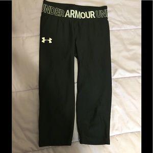 Under armour girls Capri leggings